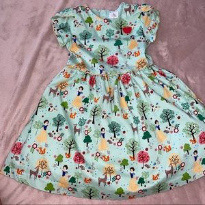 Disney Snow White kids dress size 5/6 Halloween Dress